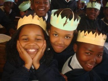 Kleinmond Primary learners with their biodiversity crowns